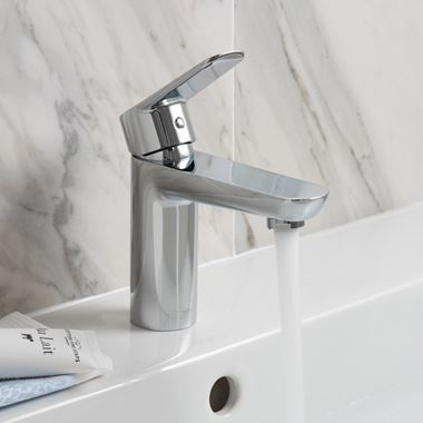 Vado Photon Single Lever Mono Basin Mixer With Clic-Clac Waste